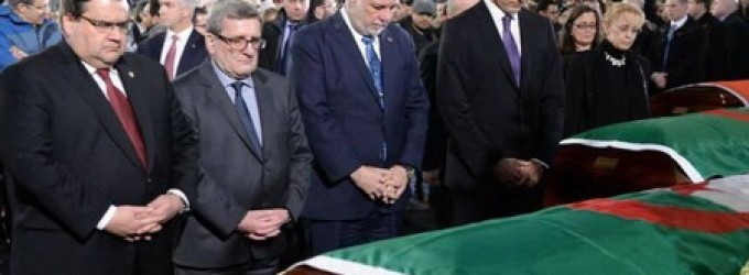 Le Premier  ministre canadien  Justin Trudeau rend hommage aux victimes de l' attentat de Quebec